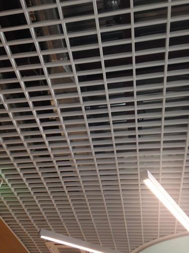 10% СКИДКА на противопожарный потолок Грильято в отделе «Все потолки»